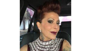 A Alejandra Guzmán le perdonan multa de tránsito a cambio de una selfie