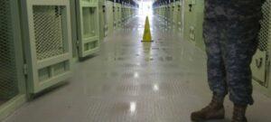 """Cerremos """"un capítulo en nuestra historia"""": Obama sobre Guantánamo"""