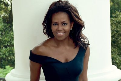 """Servidora pública llama a Michelle Obama """"simia en tacones"""""""