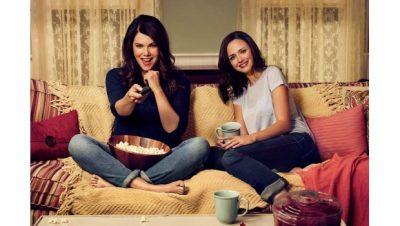Series de televisión estrechan relación entre madres e hijas: Estudio