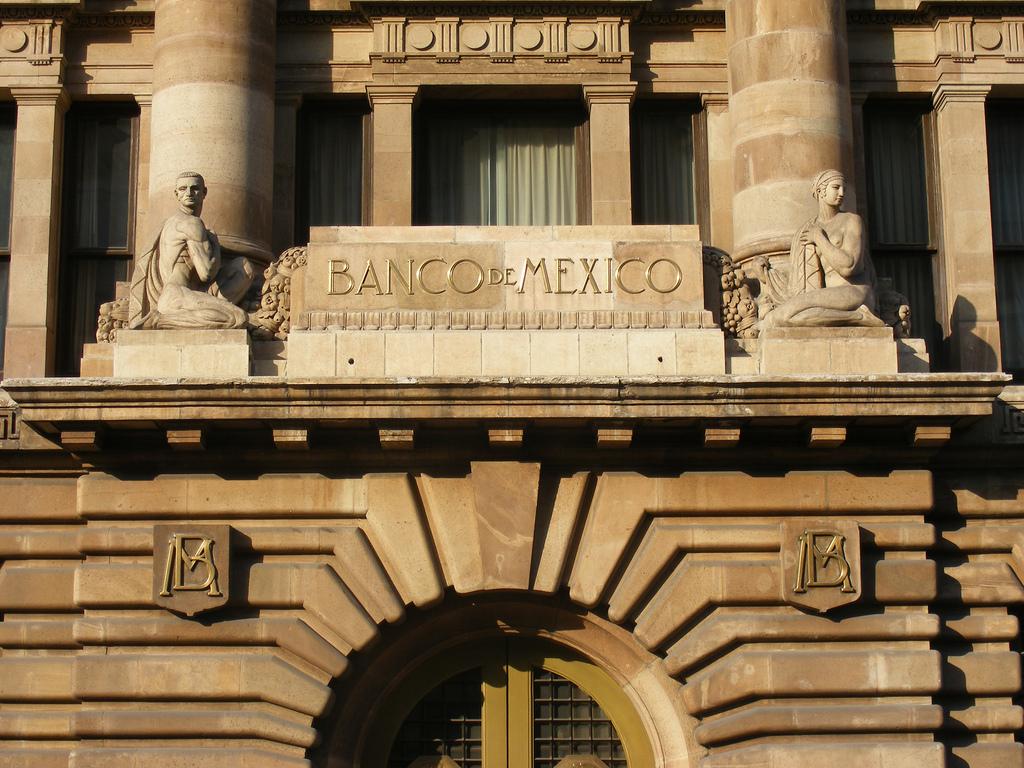 Banxico vendió 2 mil mdd directamente al mercado