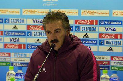 """¿Habrá castigo a La Volpe por """"faulear"""" a jugador de """"Las Chivas""""?"""