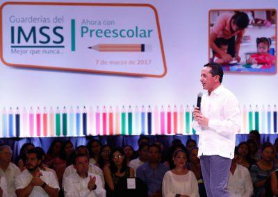 Carlos Joaquín: Tranquilidad para tu familia con más servicios en guarderías y hospitales mejores equipados