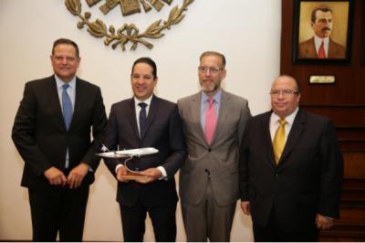 Francisco Domínguez anuncia vuelos Querétaro-Chicago y Querétaro-Los Ángeles de Volaris