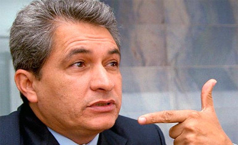 Exgobernador mexicano detenido también es buscado por EUA