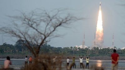 India lanza un cohete con un peso de 200 elefantes