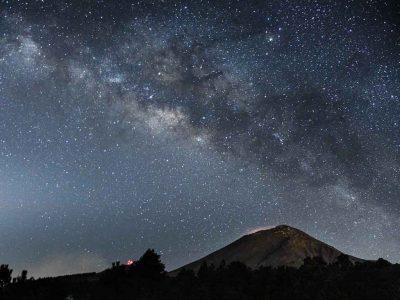 Astrofísico mexicano halla galaxias que originaron el universo