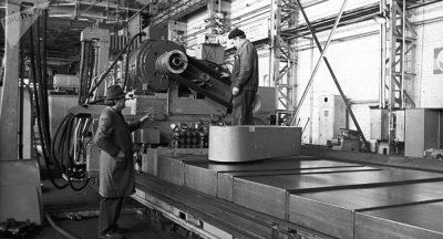 Descubren mensaje de obreros que trabajaron en 1967 en una planta de hormigón