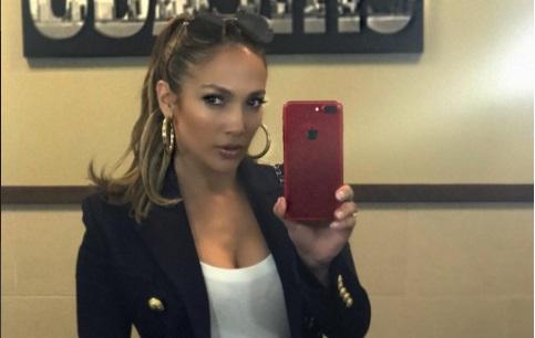Impactante foto de Jennifer López al natural rompe las redes sociales (Video)