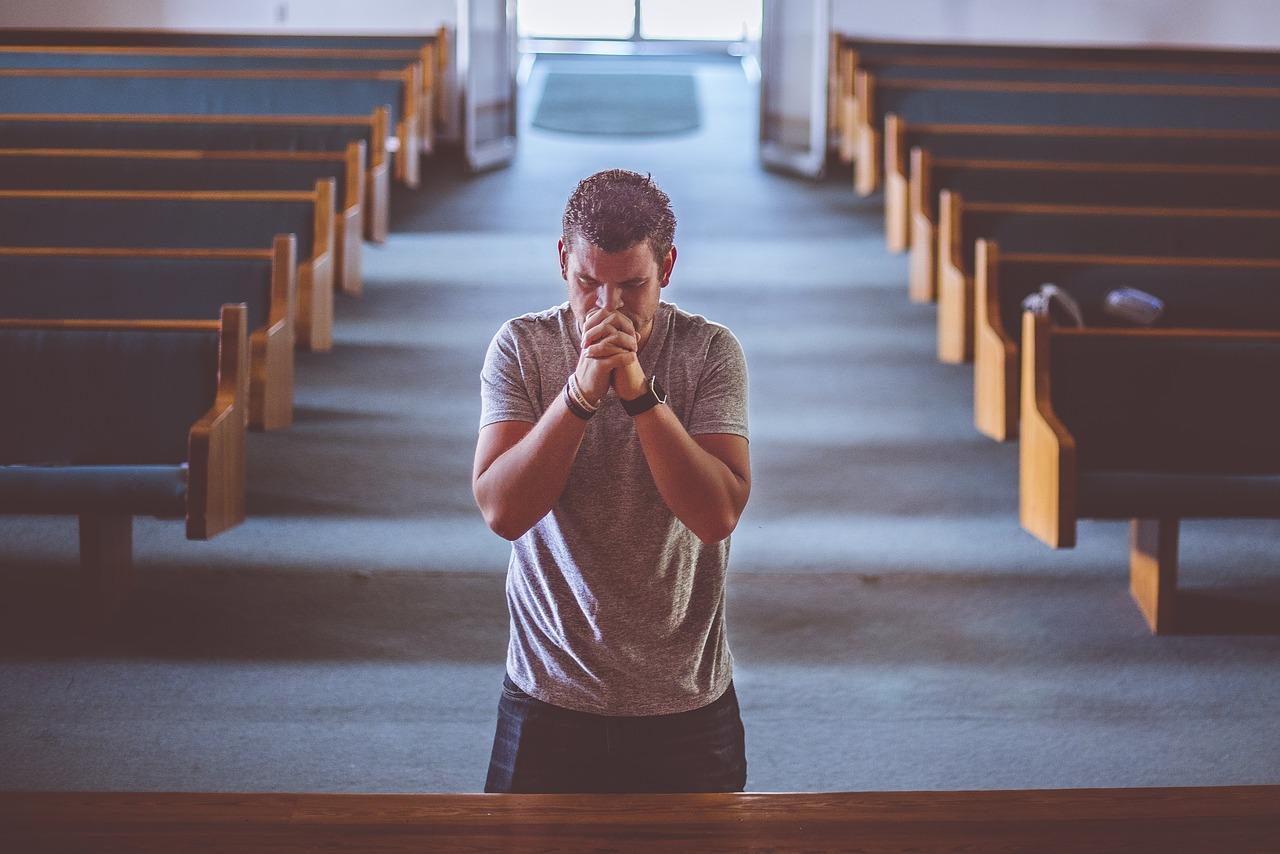 Grabar una película porno en una iglesia no es delito