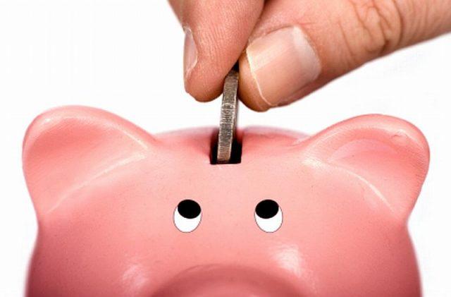 Abuela es engañada por sujetos del banco y pierde sus ahorros