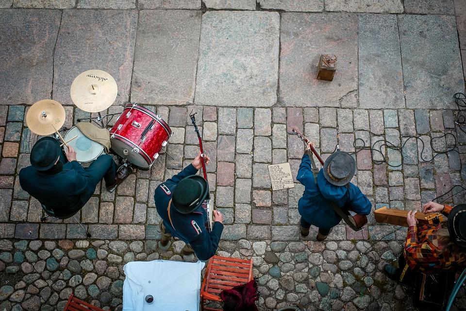 Prohibirán que bandas toquen en las calles del centro de La Paz