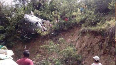 PGR informa que una persona murió en caída de helicóptero que llevaba víveres a Oaxaca