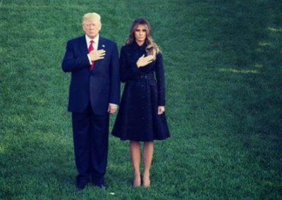 Trump y Melania protagonizan un vergonzoso momento frente a cientos de personas