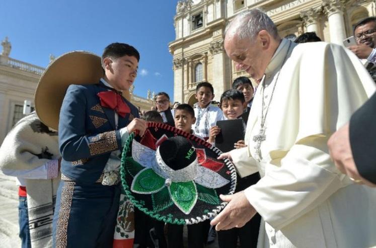 Papa Francisco dona 150 mil dólares para los afectados del sismo