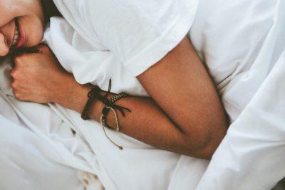 Los beneficios de dormir hasta tarde los fines de semana