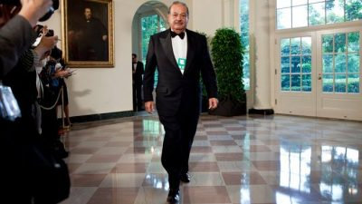 Slim, uno de los dueños del negocio de los espectaculares en la Ciudad de México