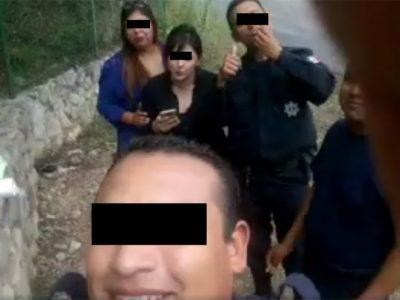 Policías se graban jugando 'carreritas' en su patrulla (VIDEO)