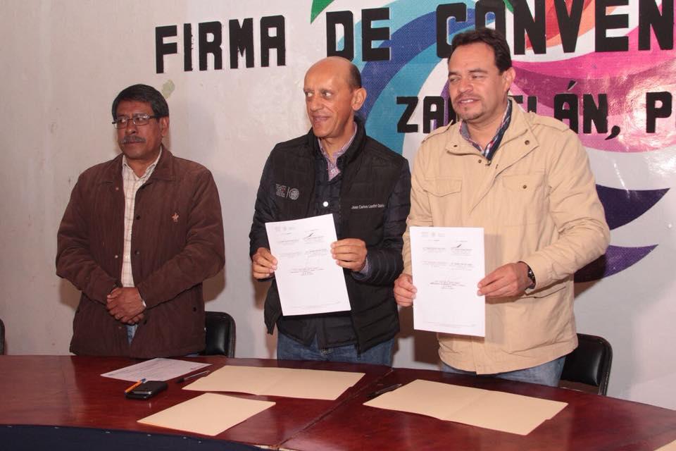 Juan Carlos Lastiri, firma convenio de colaboración; SEDATU y el Ayuntamiento de Zacatlán