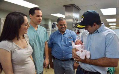 En medio del huracán en Puerto Rico nació bebe en un barco