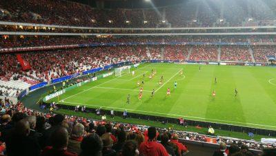 Portero del Benfica hace el 'oso' en la Champions League (VIDEO)