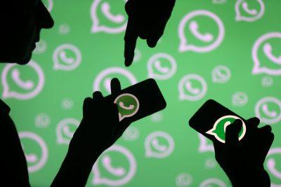Descubre cómo leer mensajes de WhatsApp sin que te vean 'en línea'