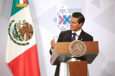 "Niña exige a Peña Nieto que ""deje de robar"""