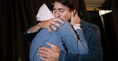 Trudeau se suelta a llorar frente a las cámaras