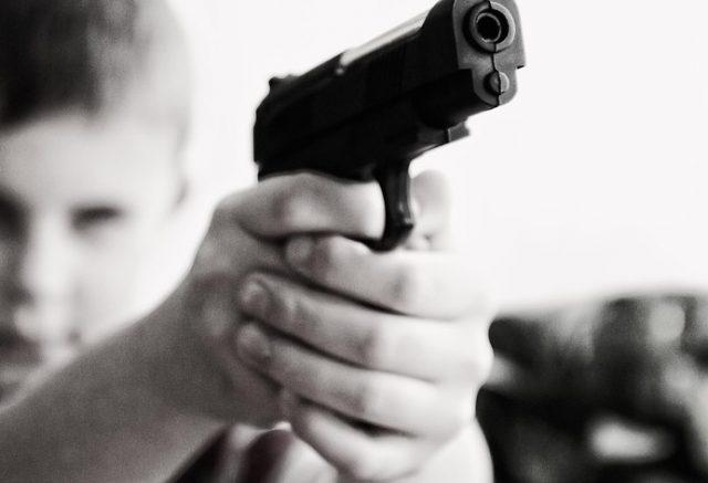 """Niño de 9 años fue detenido por portar un arma """"para defenderse"""""""