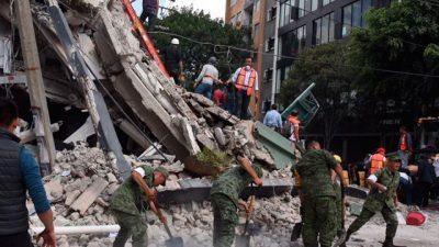 Para los afectados del sismo, mexicanos recaudan dinero en Francia