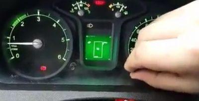 Empresa integra un juego de Tetris en el tablero de un automóvil