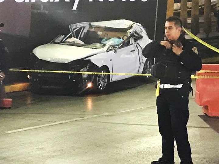 Mujer provoca fatal accidente al perder el control de su vehículo