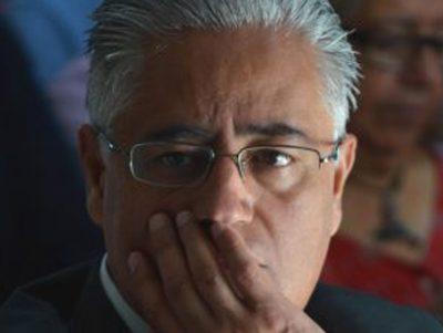 Auto de vinculación por malversación de fondos a ex rector de la UAEM