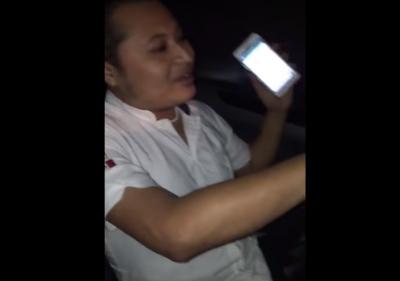 Taxista intenta secuestrar a pasajero que le pidió su tarifario (VIDEO)
