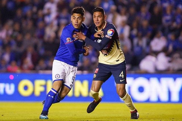 Cruz Azul empata sin goles ante América en la ida del clásico joven