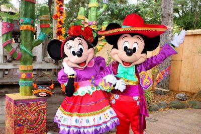 Minnie y Mickey Mouse celebran las fiestas decembrinas con vestimenta mexicana (VÍDEO)