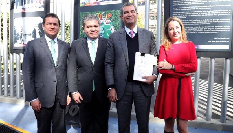 Enrique Ochoa Reza niega rebase de tope de campaña en Coahuila y defiende triunfo