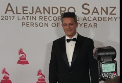 Alejandro Sanz recibe premio 'Persona 2017' en Grammy Latino