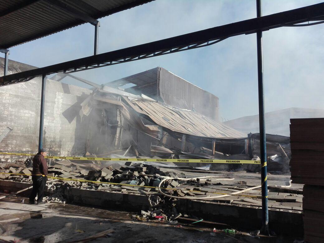Tremendo incendio en Gómez Palacio