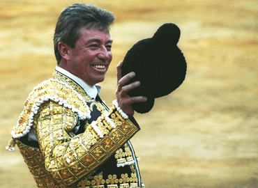 """Muere una gran figura del toreo; Miguel Espinosa """"Armillita"""""""
