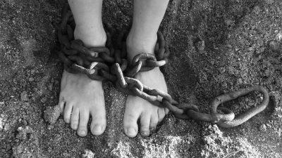 Subasta de inmigrantes como esclavos en Libia causa polémica