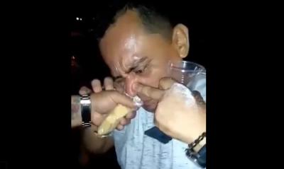 Filtran video de un funcionario dándose un 'megapase' de cocaína