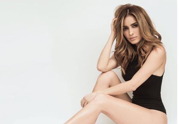 Cynthia Rodríguez levanta pasiones con diminuto bikini (FOTO)
