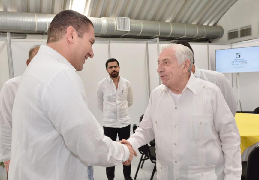 Moreno Valle acompaña al Gobernador Arturo Nuñez a su 5to Informe