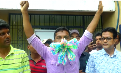 Joven rompe récord al meter 459 popotes a su boca (VIDEO)