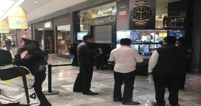Delincuentes asaltan joyería en Santa Fe; intercambiaron disparos con los policías