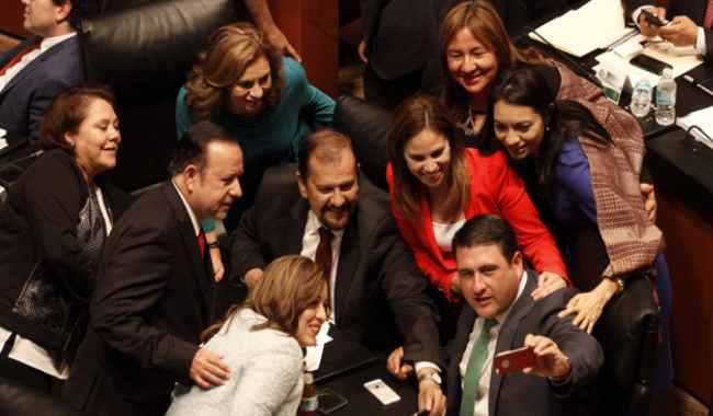 Senadores han gastado 45 millones de pesos en viajes lujosos