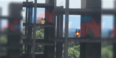 Cachan a parejita 'echando pasión' en un edificio abandonado (VIDEO)