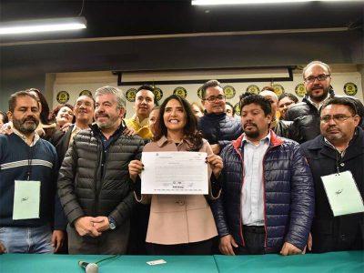 Alejandra Barrales oficializa registro como precandidata del PRD a la CDMX