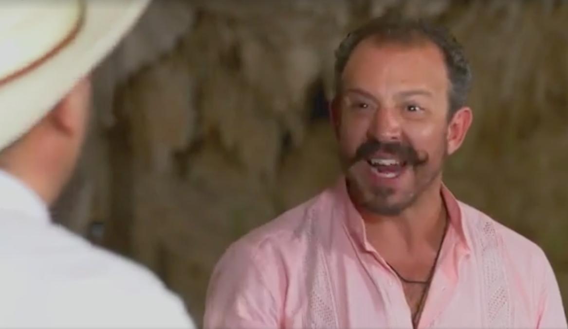 Juez de 'MaterChef' humilla, insulta y avienta el plato a participantes (VÍDEO)
